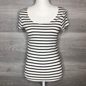 Max Studio Black & White Striped Tee Size Small